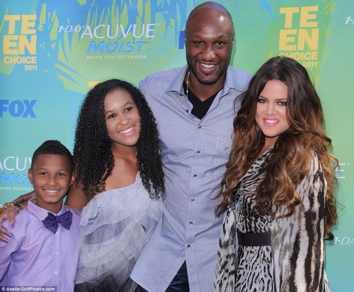 Lamar Jr, Lamar Odom, Khloe Kardashian and daughter Destiny at the 2011 Teen Choice Awards