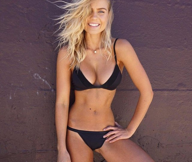 Simply Stunning Elyse Knowles Proved That She Doesnt More Than A Simple Black