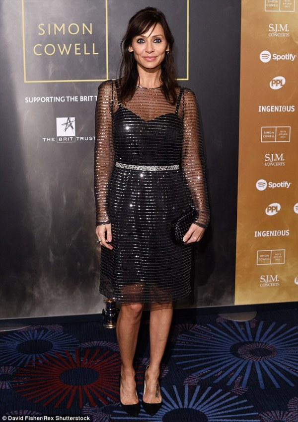 Natalie Imbruglia dazzles in sequinned frock for Music ...