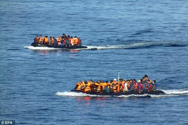 Dos barcos de relleno de los inmigrantes llegaron a Lesbos el martes por la tarde después de haber desafiaron el peligroso viaje desde Turquía