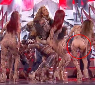One Of J'lo's Backup Dancer Suffered a Wardrobe Malfunction At The 2015 AMAs