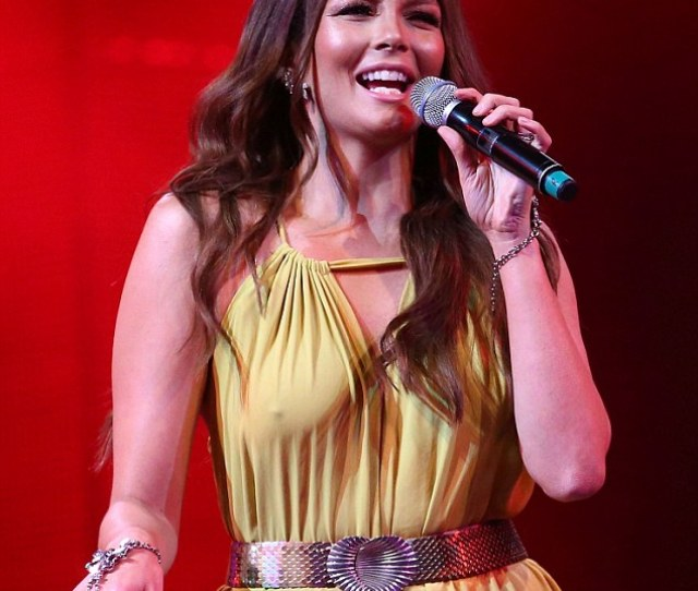 Perky Ricki Lee Coulters Nipples Showed Through Her Jumpsuit As She Wowed The Audience