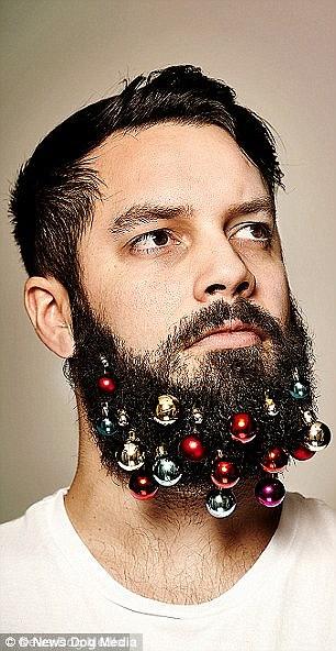 La agencia de publicidad de Londres, Gray London, inició la tendencia festiva de la barba con la venta de adornos de barba.