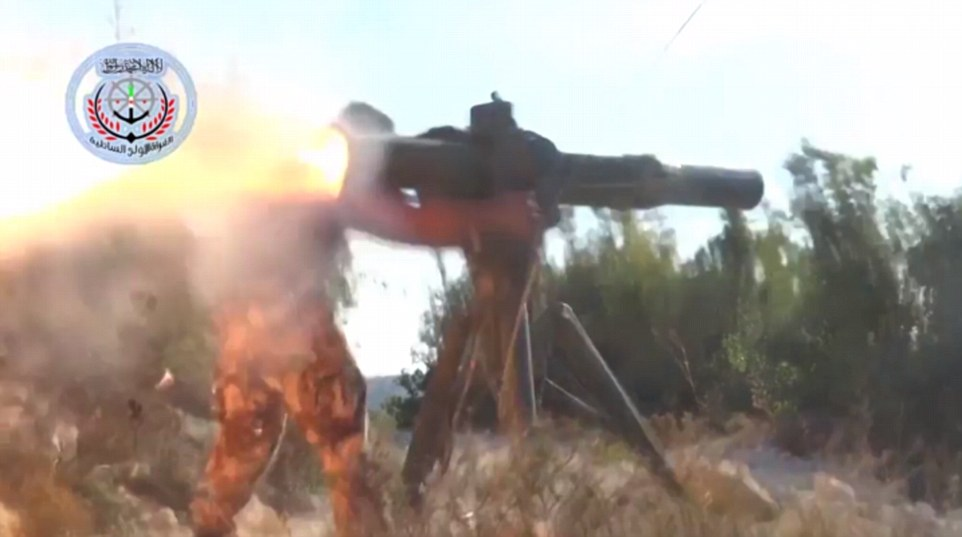 Metraje de Sergei Rumyantsev fue seguido por el lanzamiento de un segundo vídeo, alegando para mostrar los miembros del Ejército Libre de Siria entrenado por Estados Unidos disparando un misil anti-tanque y destruir el helicóptero enviado por las fuerzas rusas para rescatar al piloto superviviente