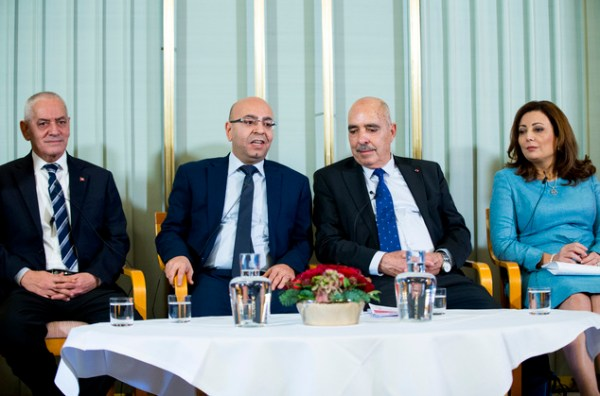 Tunisian Nobel Peace Prize winner urges for global help ...