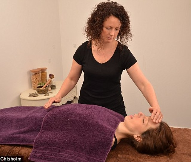 Trained Doula Clare Blake Pictured Offers Fertility Massages For Women Struggling To Conceive