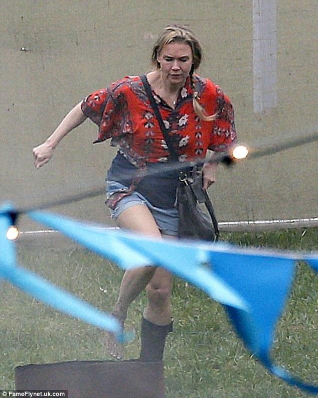 Renee Zellweger Enjoys Day Off From Bridget Jones Filming