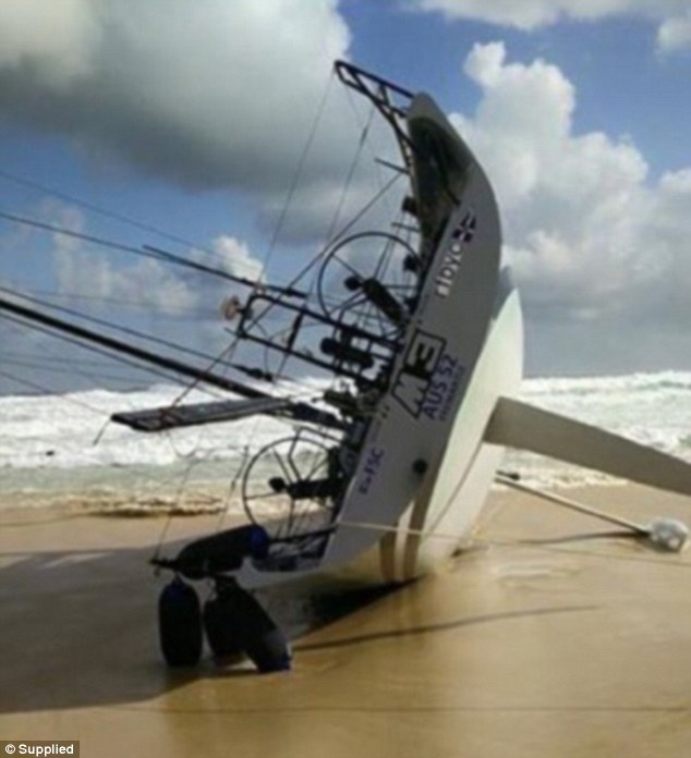 M3 Crew Have To Abandon Ship And Let Sydney Yacht Run