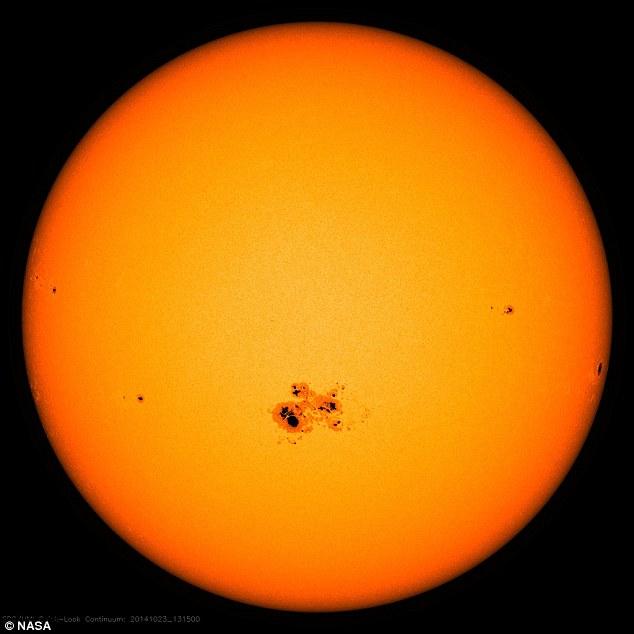 Ciclo das manchas solares também pode ser o culpado, com nevascas crescentes nos períodos em que a atividade solar diminuiu. Atividade das manchas solares ocorre em ciclos de 11 anos e atualmente está em um ponto baixo