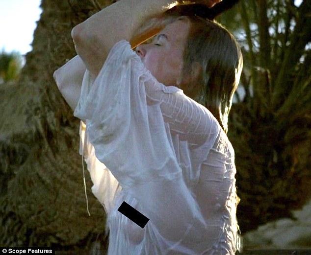 Nicole Kidman Goes Braless As Gertrude Belle In Queen Of