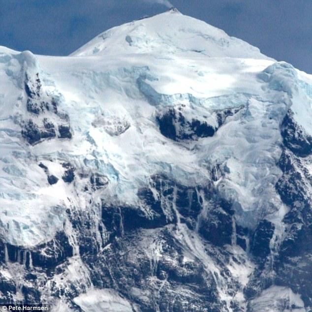 Big Ben eruzioni sono di solito catturati su immagini satellitari come non molti ricercatori viaggiano per l'isola