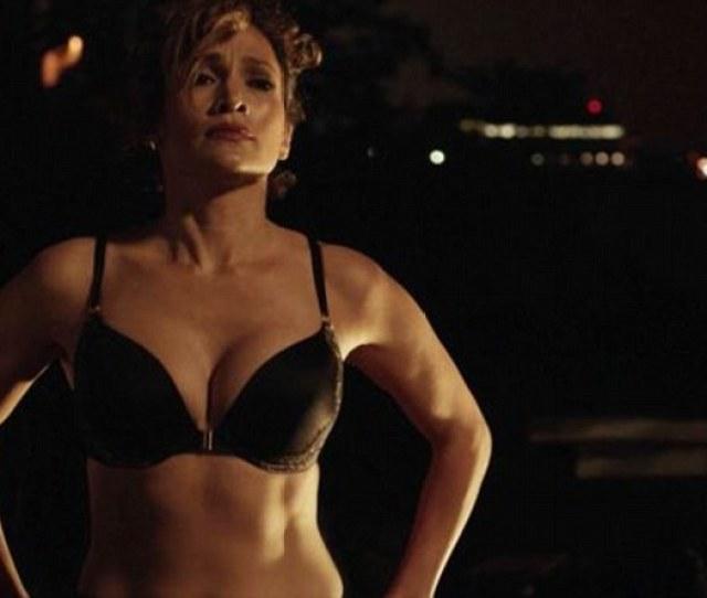 Sizzling Jennifer Lopez Revealed Her Flawless Figure In A Black Push Up Bra In