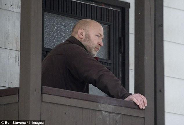 Violenta: Condenado asesina Klas Lund es el fundador de los neonazis de Suecia y también ha sido encarcelado por robo de un banco, asalto y posesión de un arma ilegal. Mató a la campaña de Ronny Landin cuando intervino para detener un asalto a tres inmigrantes en Nynashamn en 1986, pero se ha visto un aumento en la popularidad de enfriamiento tras las preocupaciones sobre la afluencia de inmigrantes