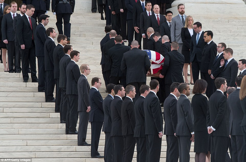 A total of 180 law clerks lined the steps of the Supreme Court as the casket was carried towards the grand entrance