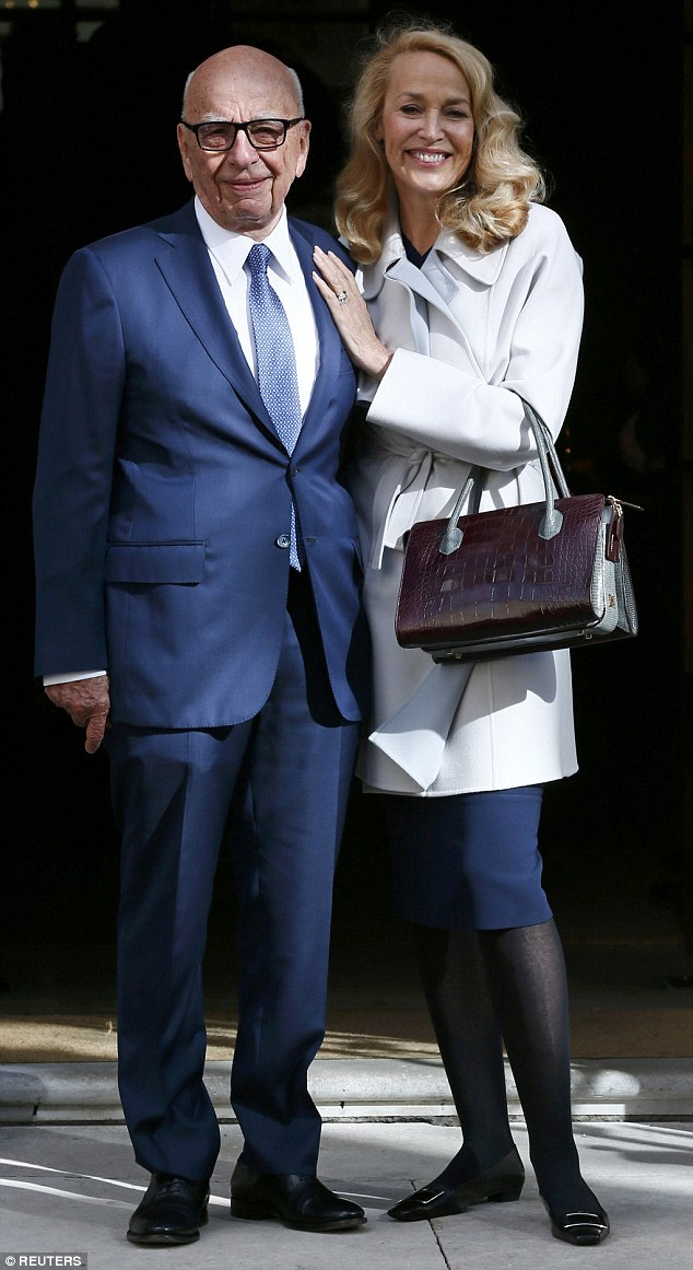 Media mogul Rupert Murdoch has married Jerry Hall at an aristocratic palace after a five-month courtship