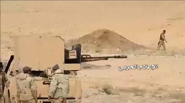 Syrian Army forces are advancing on the ancient city of Palmyra to recapture it from ISIS