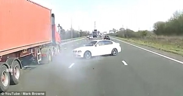 Dashcam video captures moment lorry drives into BMW ...