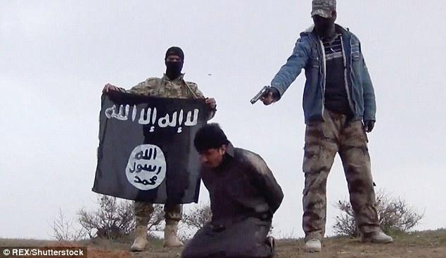 Embora o vídeo chocante permanece sem data, parece ser localizados principalmente na província de Anbar do Iraque