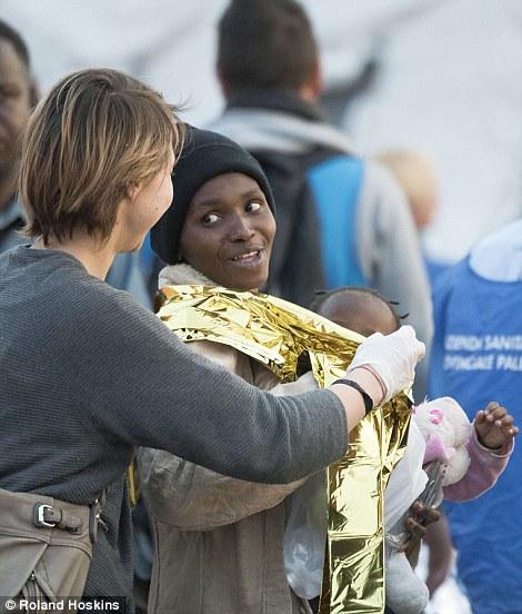 """Lucha: La cabeza de MSF en Italia culpó al 'hacinamiento, la falta de información legal y la falta de protección """"por su decisión de abandonar"""