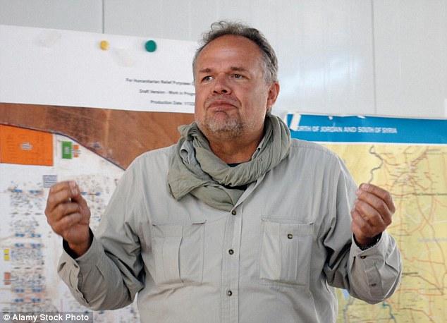 """Sr. Kleinschmidt dijo Unicef 'pasó fecha $ 30 millones de agua y saneamiento ¿agua limpia entra y agua sucia y la basura que sale """"pero habría sido más barato para establecer un sistema de agua entubada"""