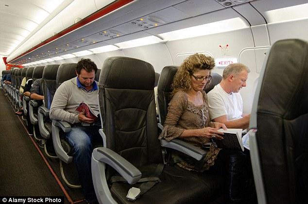 Para incrementar los beneficios, las compañías aéreas han de iniciar el cobro de tarifas nuevas o más rigurosas para asegurar un asiento de pasillo o ventana