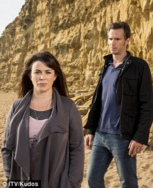 Broadchurch's Eve Myles is ordered to take down 'ugly' 7ft ...