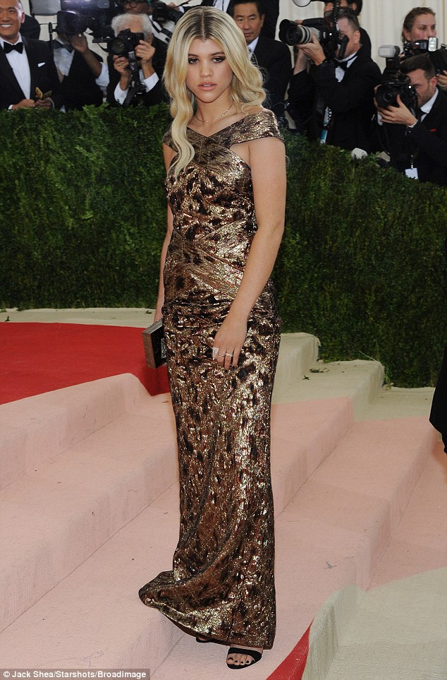 Sofia Richie Cuts Casual Look After Wowing At Met Gala