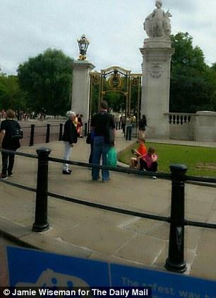 Target: Nasiri scouted the area near Buckingham Palace