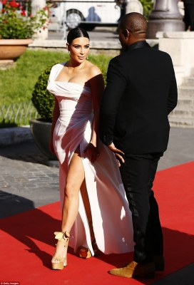 Alright sunshine? Kim looked incredible as the evening Italian sun hit her flawless skin on the red carpet