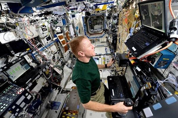 Astronaut Tim Peake reveals he longs for British weather