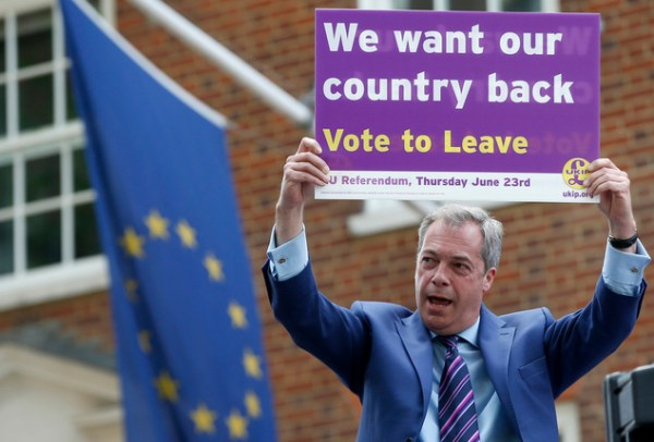 est100 一些攝影(some photos): Nigel Farage, is campaigning for ...