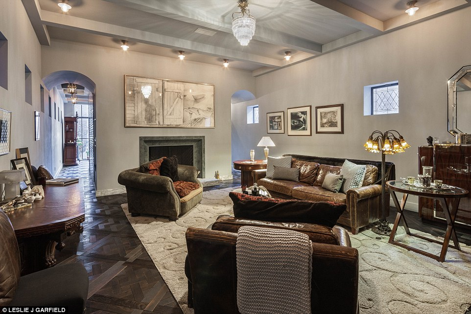Luxury Homes Decorated For Christmas