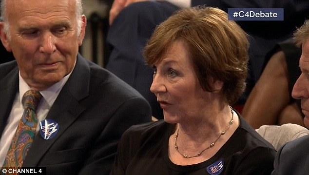 Televisión cocinera Delia Smith estaba en el debate, que se sienta con '' Permanecer partidarios