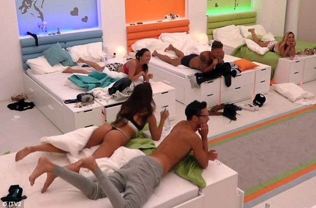 Grab some popcorn! The housemates looked like they were thoroughly enjoying the couple's sex session