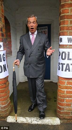 """En su camino a votar esta mañana, señor Farage dijo a la prensa que había """"esperado toda su vida adulta 'para el referéndum sobre la UE"""