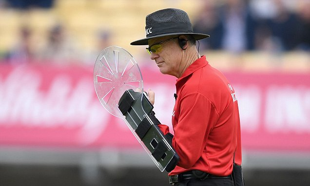 WHAT Is That On His Arm Umpire In Sri Lanka England
