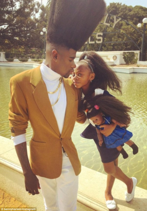 Benny Harlem and daughter Jaxyn proudly show off matching ...