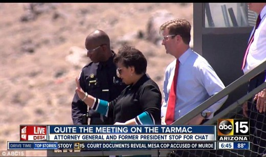 Image result for loretta lynch talks to bill clinton