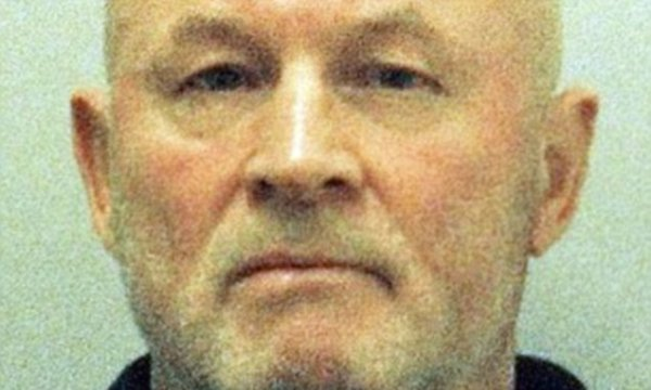 SAS hero jailed for keeping his Falklands gun as a ...