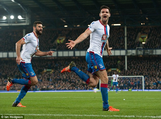 Crystal Palace defender Scott Dann is a long-term transfer target of Everton and could join them this summer