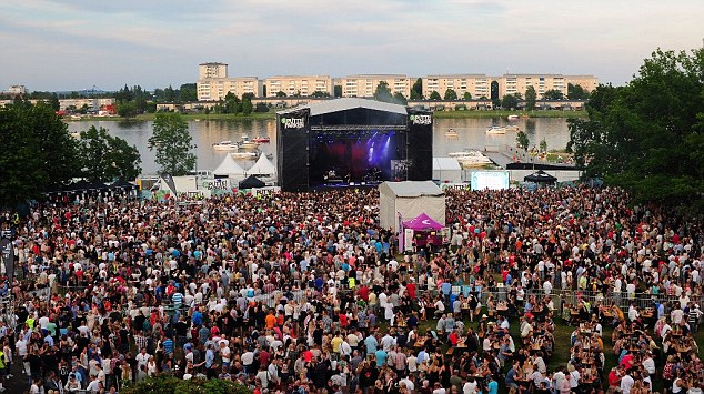 About 20 000 visited the festival every day during the three-day festival which was free. The majority of the visitors were teenagers