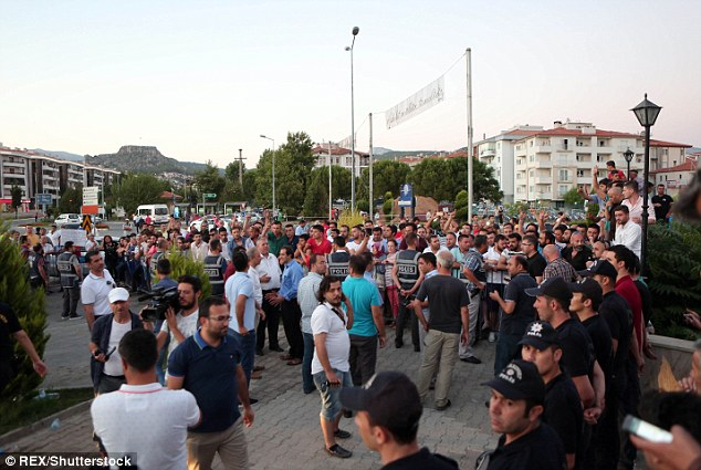 The justice minister has said around 6,000 people have been detained so far in the investigation into Friday's coup which Erdogan has blamed on his arch-enemy, US-based preacher Fethullah Gulen