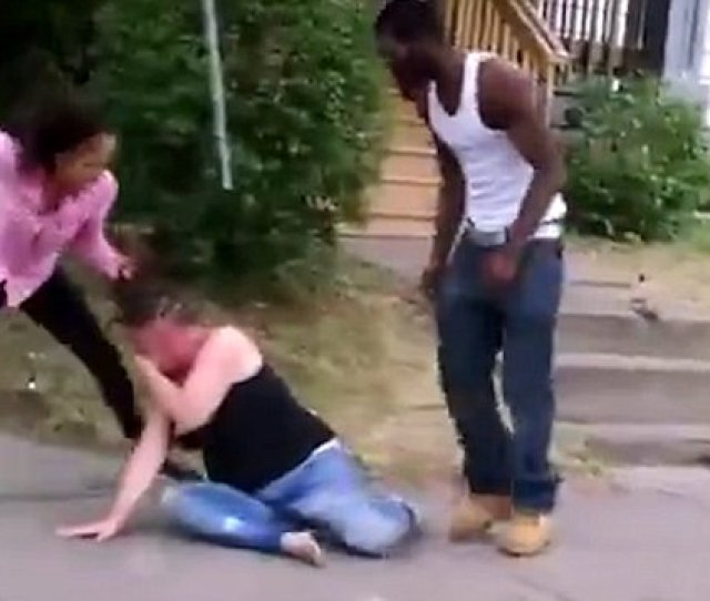 Warning Graphic See The Bloody Girl Brawl Caught On Video Daily Mail Online