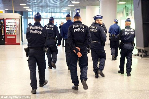 La policía belga han puesto en marcha una persecución desesperada para los 15 años de edad (foto)