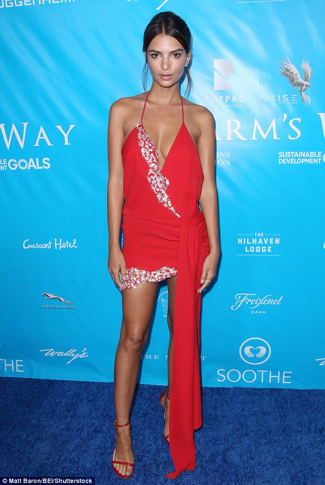 Stunner: Emily Ratajkowskiabsolutely scintillated as she arrived for a dinner honoring the UN Secretary-General Ban Ki-moon in Los Angeles on Wednesday