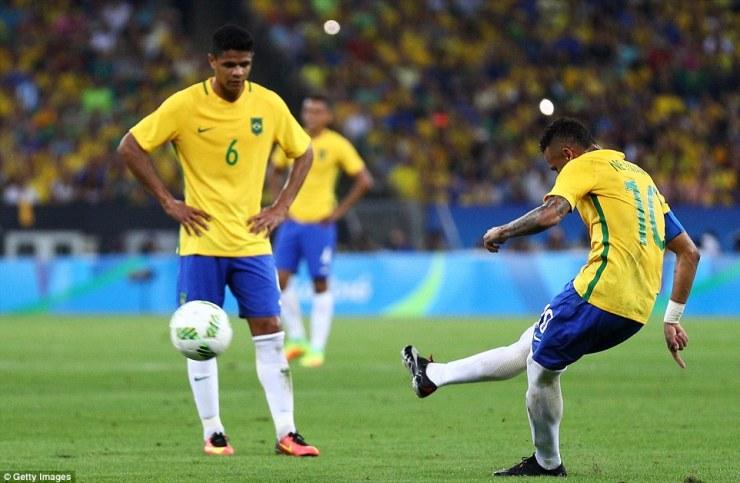 There was only going to be one man taking this and Neymar duly obliged by curling the ball into the top corner