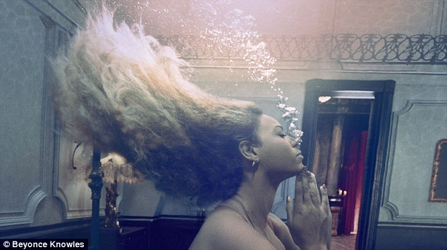 Hold your breath: One fantastic snap showed Beyonce under water