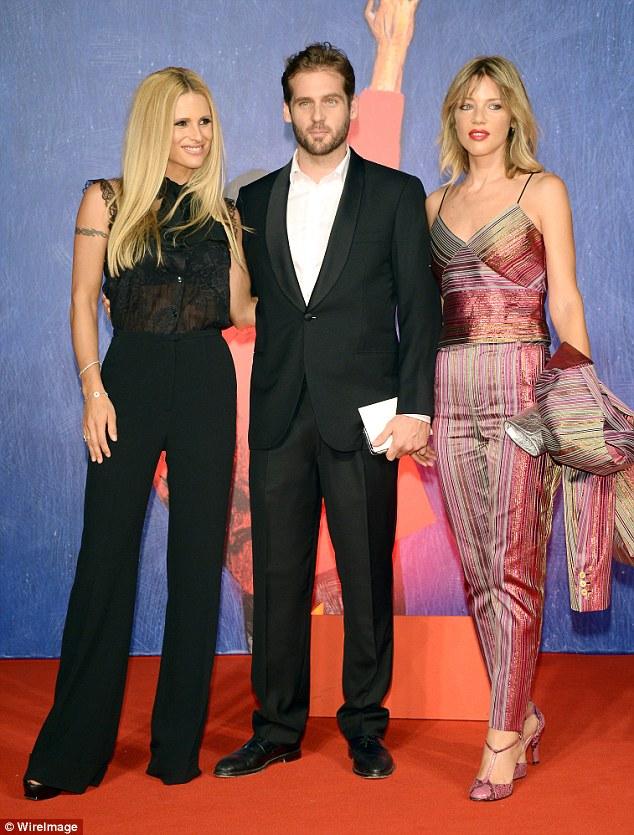 Mostrando o seu apoio: Michelle Hunziker, Tomaso Trussardi e Gaia Trussardi estavam entre as estrelas na estreia