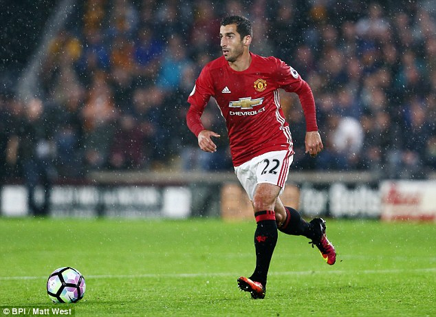 Manchester United midfielder Henrikh Mkhitaryan had to return from international duty