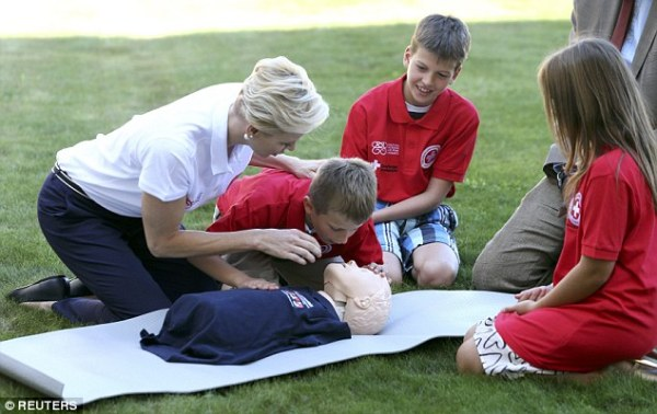 Charlene of Monaco visits Geneva for World First Aid Day ...